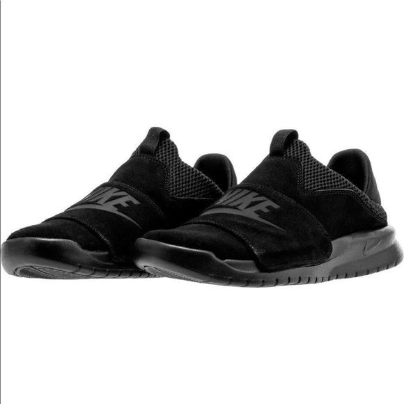 42145f8782a59f Mens Nike Benassi SLP 882410-003 Black Black